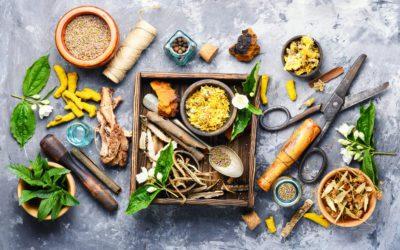 How to Stock Your Holistic Home Remedy Kit | Earthotic